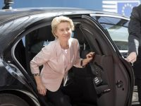 Ursula von der Leyen says her new cabinet of EU Commissioners will be half women 16