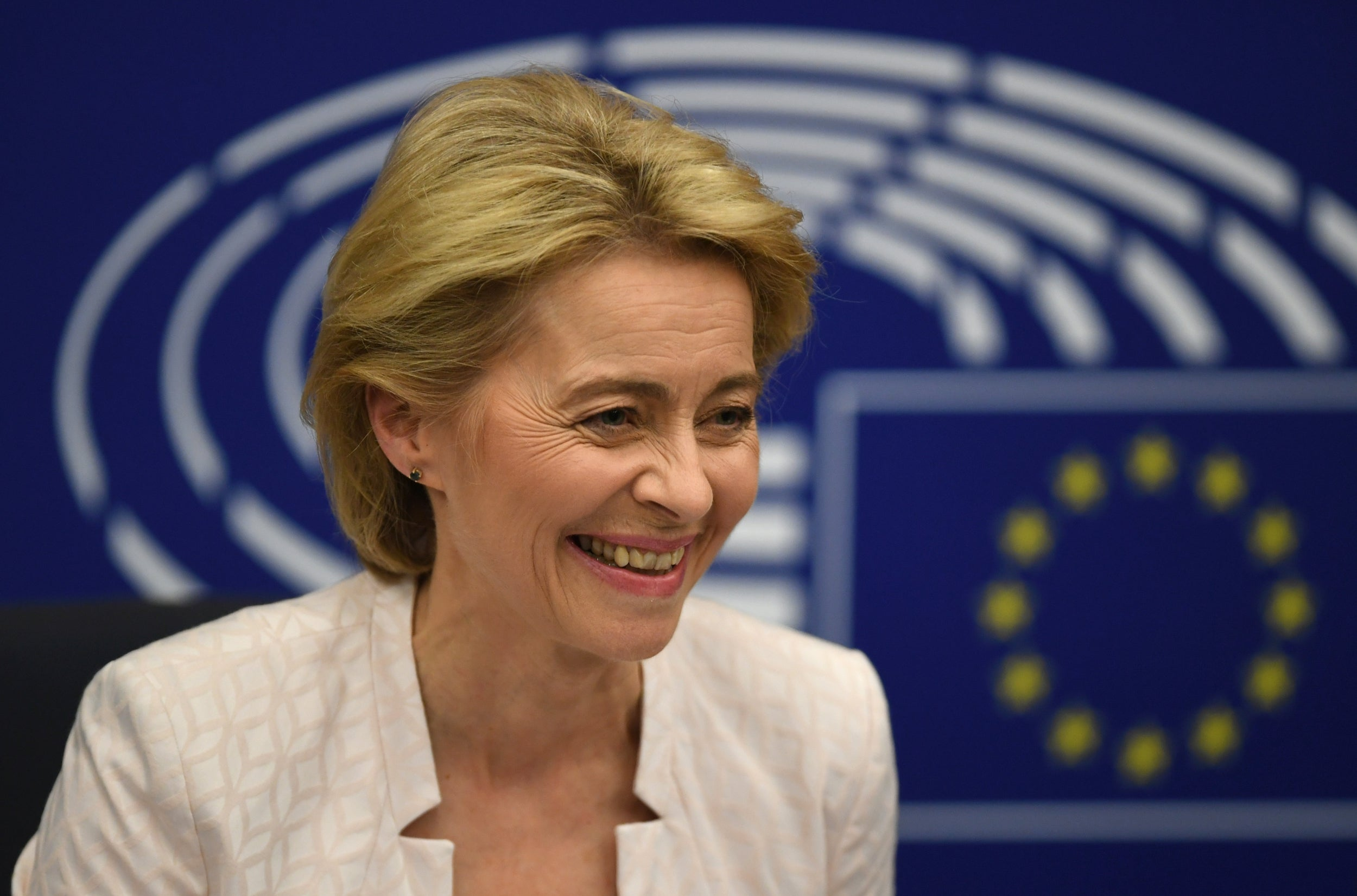 Ursula von der Leyen: Who is the first woman president of the EU commission? 3