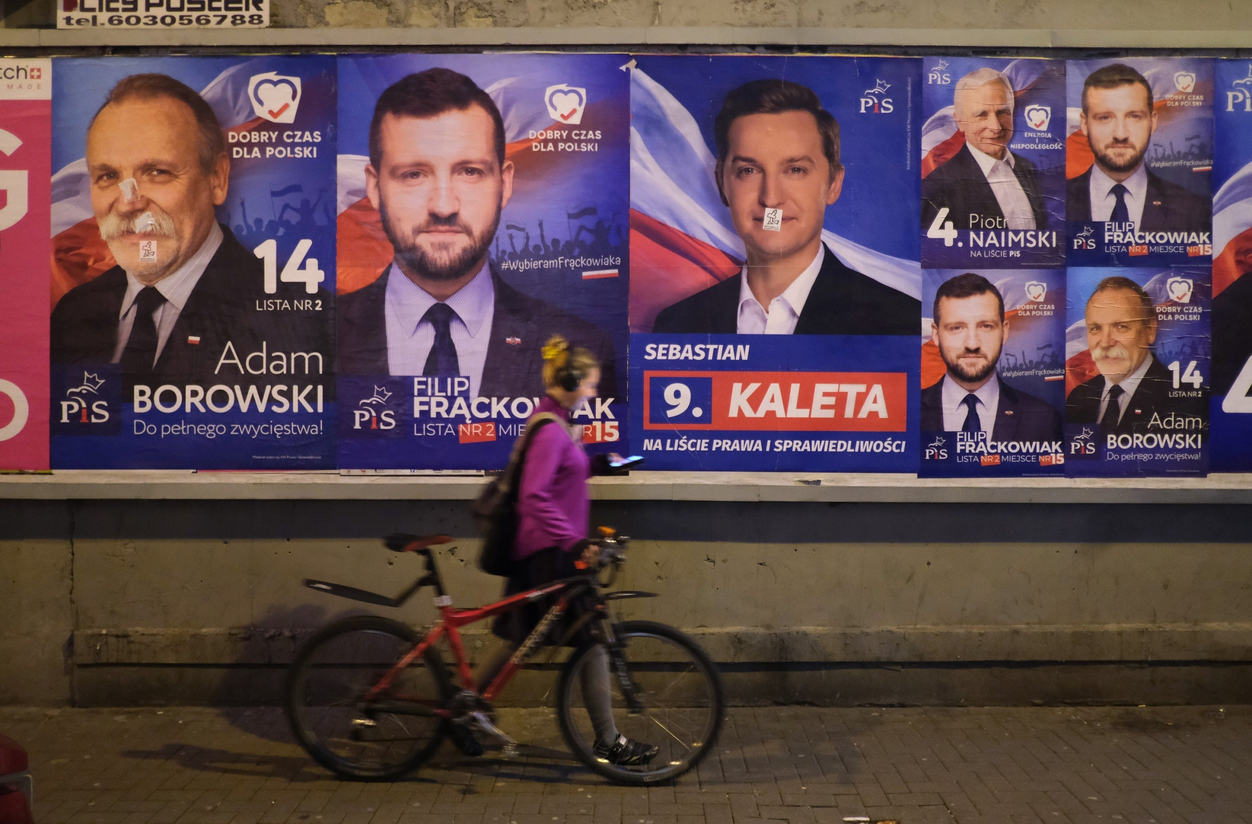 Poland election: Voters give verdict on four years of right-wing populists 3