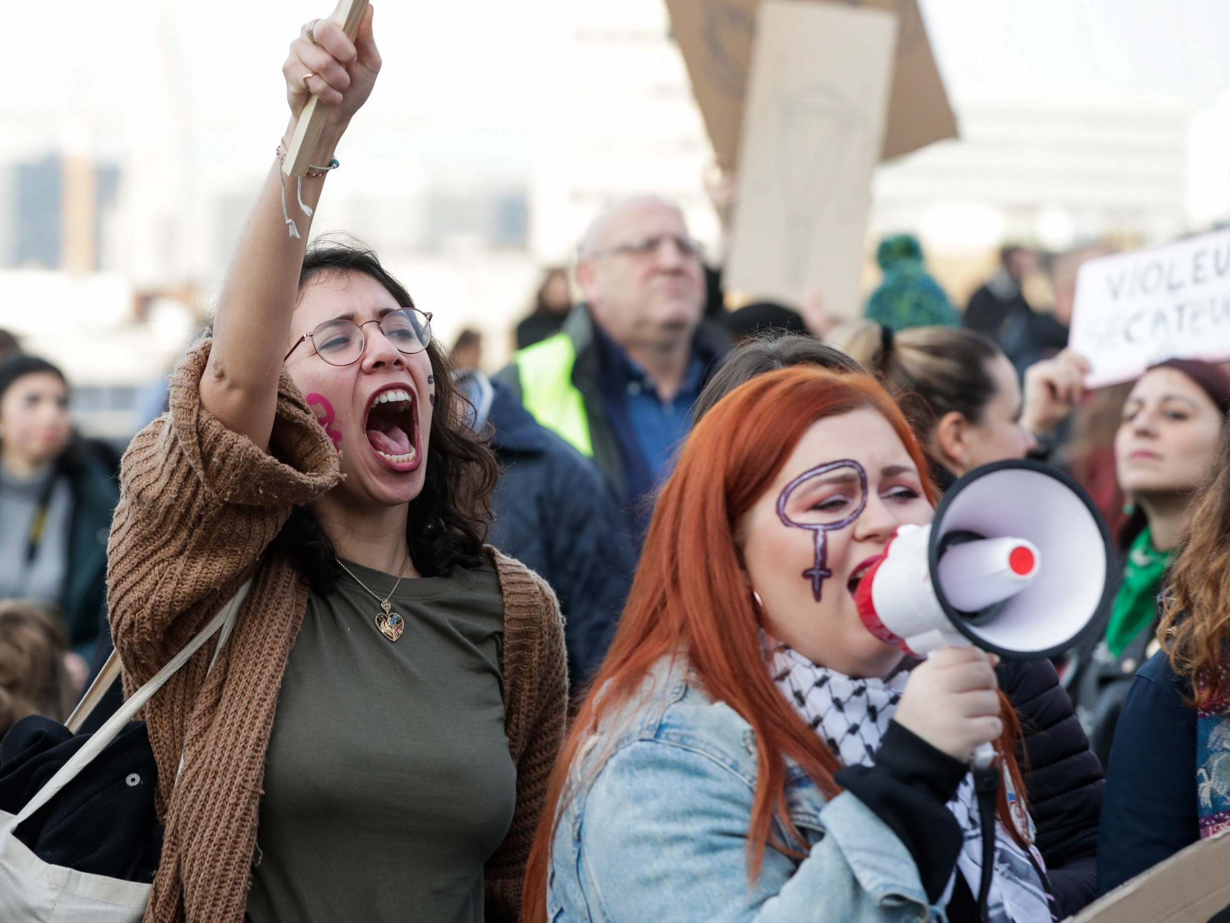 Global protests demand end to violence against women 9